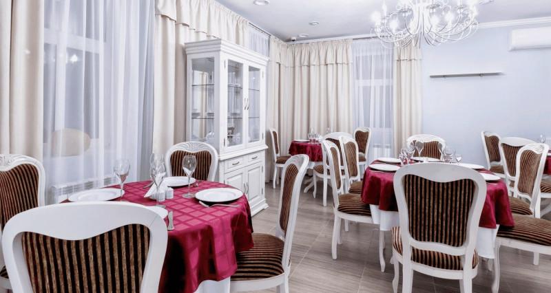 Отель и ресторан Фаворит, улица Советская, 25а